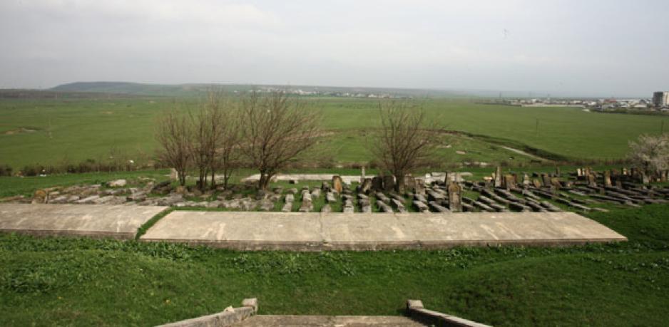 podu-iloaiei-cemetery